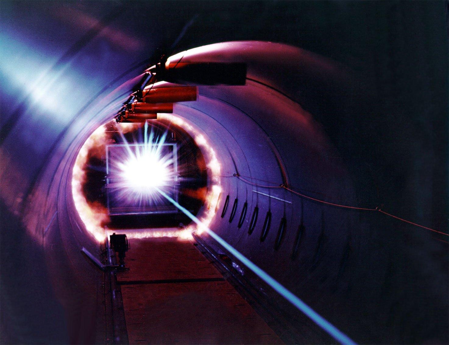 Обеспечение безопасных условий работы при эксплуатации лазерного оборудования